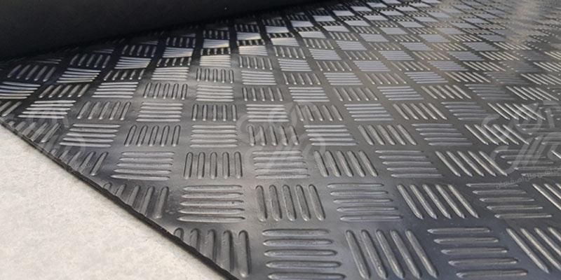 ورق آهن آجدار و کاربرد آن در صنعت