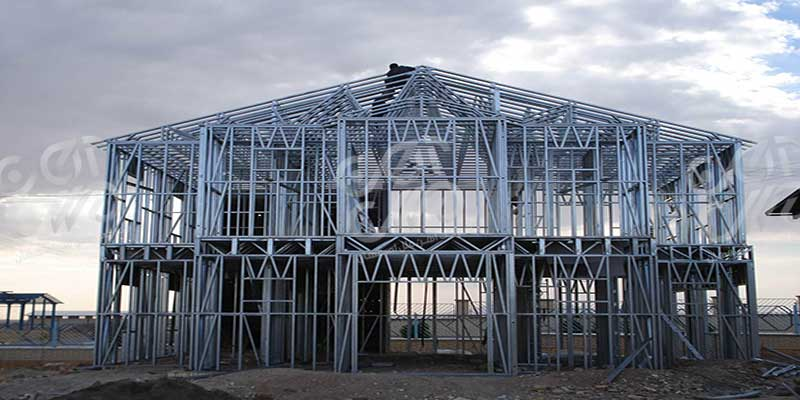 سازه فضاکار با فرم تخت دو طرف شیبدار